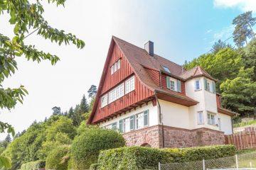 Schmuckstück sucht Liebhaberfamilie!, 75399 Unterreichenbach, Einfamilienhaus