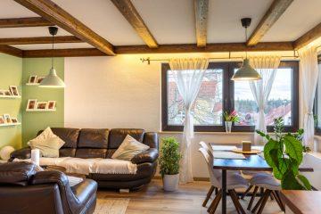 Schöne gepflegte 2,5 Zimmerwohnung mit 2 Balkonen, 75378 Bad Liebenzell / Monakam, Etagenwohnung