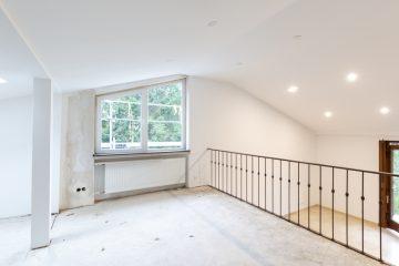 Die Renovierungsarbeiten laufen auf Hochtouren – Kernsanierte Doppelhaushälfte für Ihre Familie, 75378 Bad Liebenzell, Doppelhaushälfte